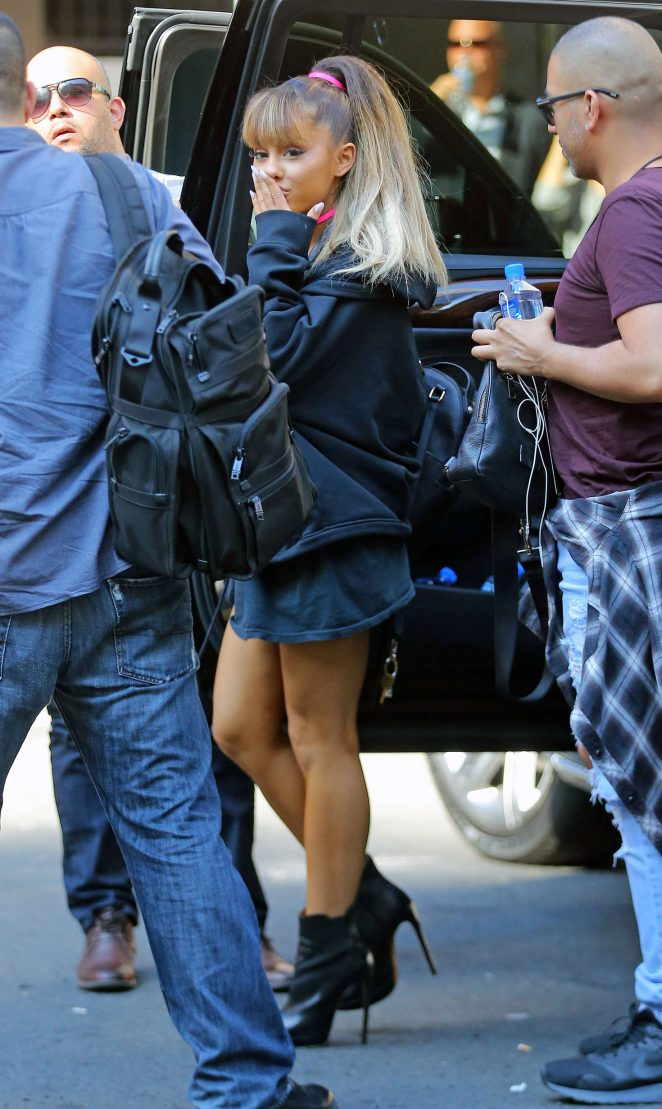 Marvelous Ariana Grande: Walking Into Madison Square Garden  02