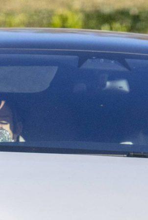 Ariana Grande - With boyfriend Dalton Gomez are seen at a starbucks in Montecito