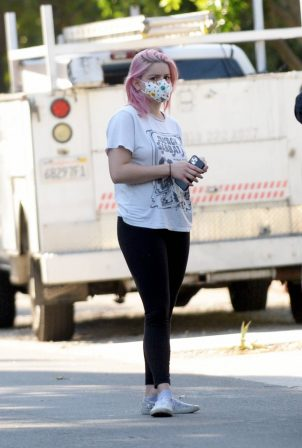 Ariel Winter and Luke Benward - House Hunting candids in Los Angeles