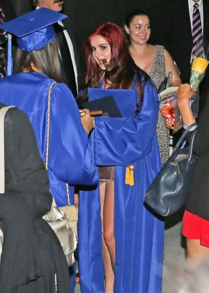 Ariel Winter at her Graduation in LA -02