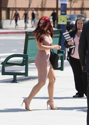 Ariel Winter at her Graduation in LA -04