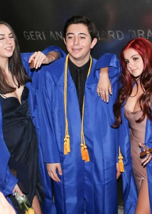 Ariel Winter at her Graduation in LA -14