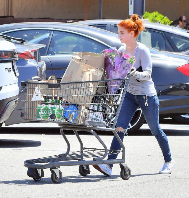 Ariel Winter: Grocery shopping in Studio City -03