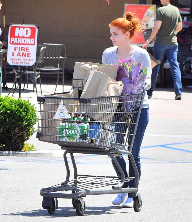 Ariel Winter - Grocery shopping in Studio City