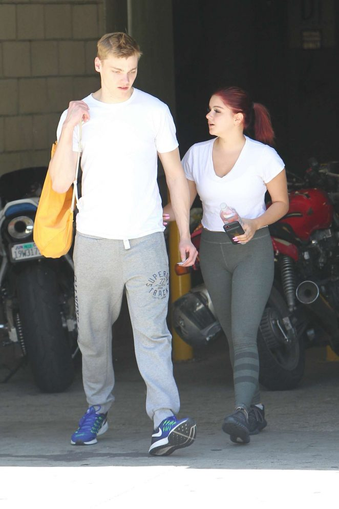 Ariel Winter - Heads to the gym in Los Angeles