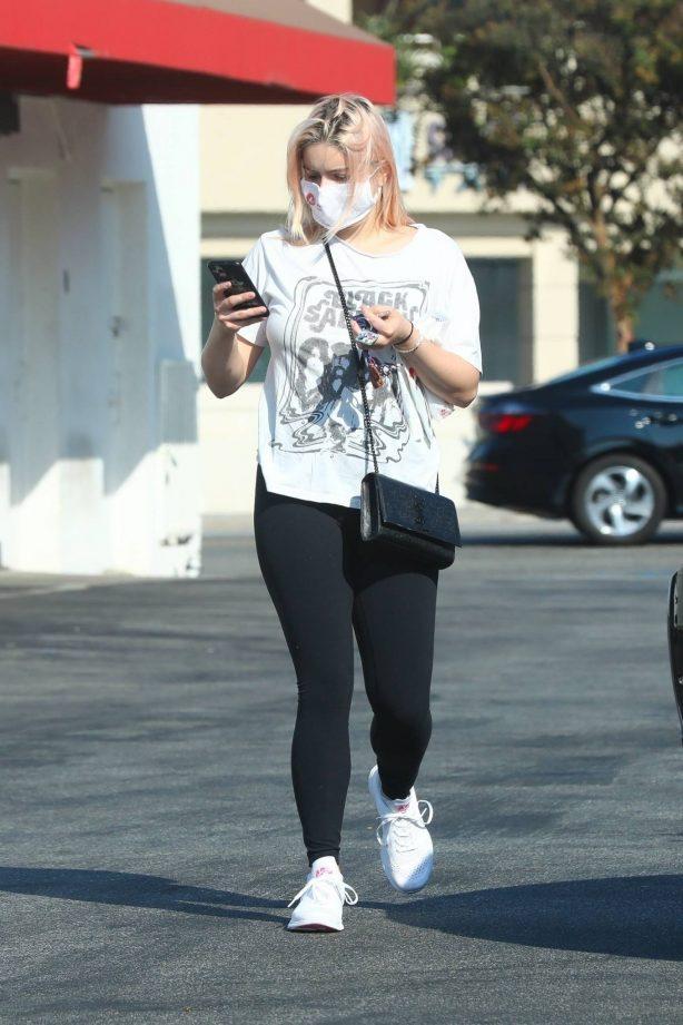 Ariel Winter - In black leggings stops by Rite Aid pharmacy