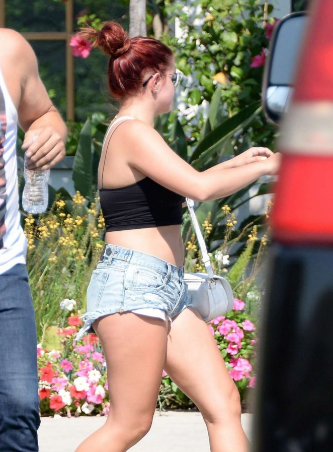 Ariel Winter in Daisy Dukes With Her Dad Glenn Workman in Sherman Oaks