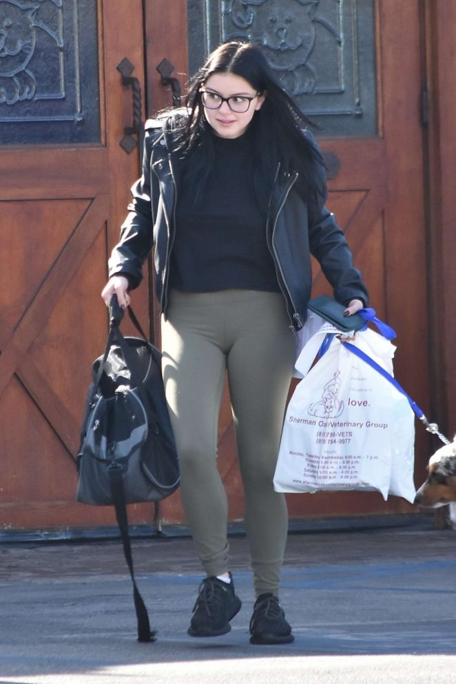 Ariel Winter in Green Tights – Takes her dog to the vet in Sherman Oakes