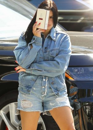 Ariel Winter in Jeans Shorts - Visit Nine Zero One salon in West Hollywood