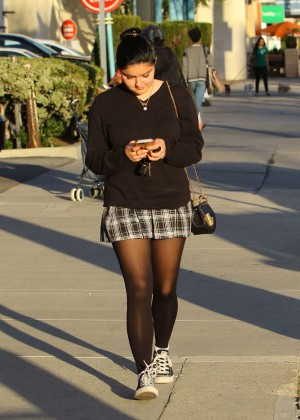 Ariel Winter in Short Skirt -16