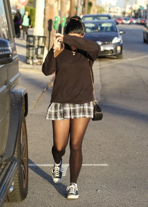Ariel Winter in Short Skirt -24