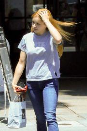 Ariel Winter - Picking up lunch at Joan's on Third in Studio City