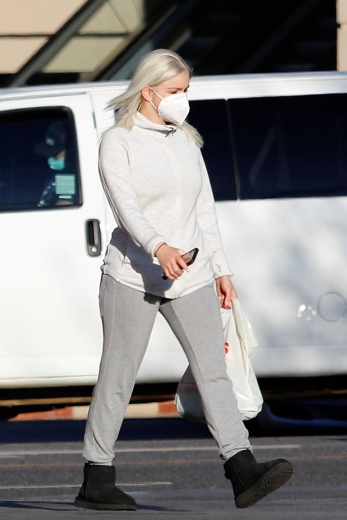 Ariel Winter - Seen after leaving the salon in Los Angeles