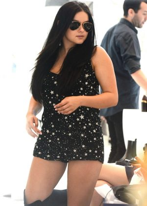 Ariel Winter - Shopping at Stuart Weitzman in Beverly Hills
