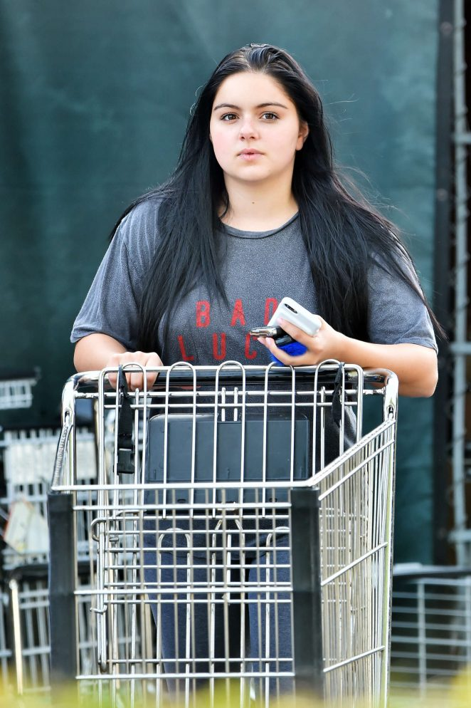 Ariel winter shopping at whole foods 04 gotceleb