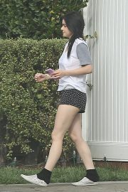 Ariel Winter - Spotted while grabs her Door Dash order in Studio City