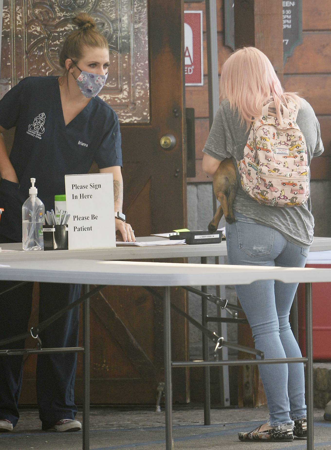 Ariel Winter - Takes her new puppy to the vet at Sherman Oaks Animal Hospital in Los Angeles