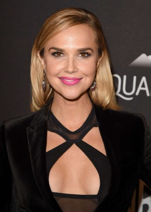 Arielle Kebbel - InStyle and Warner Bros 2016 Golden Globe Awards Post-Party in Beverly Hills