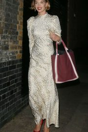 Arizona Muse - Arrives at the Chiltern Firehouse in London