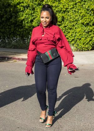 Ashanti in Tight Jeans - Leaves Alfred's Coffee in West Hollywood