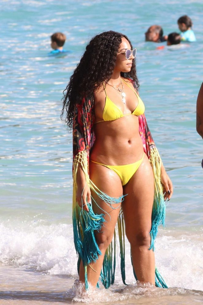 Ashanti in Yellow Bikini on a beach in Hawaii