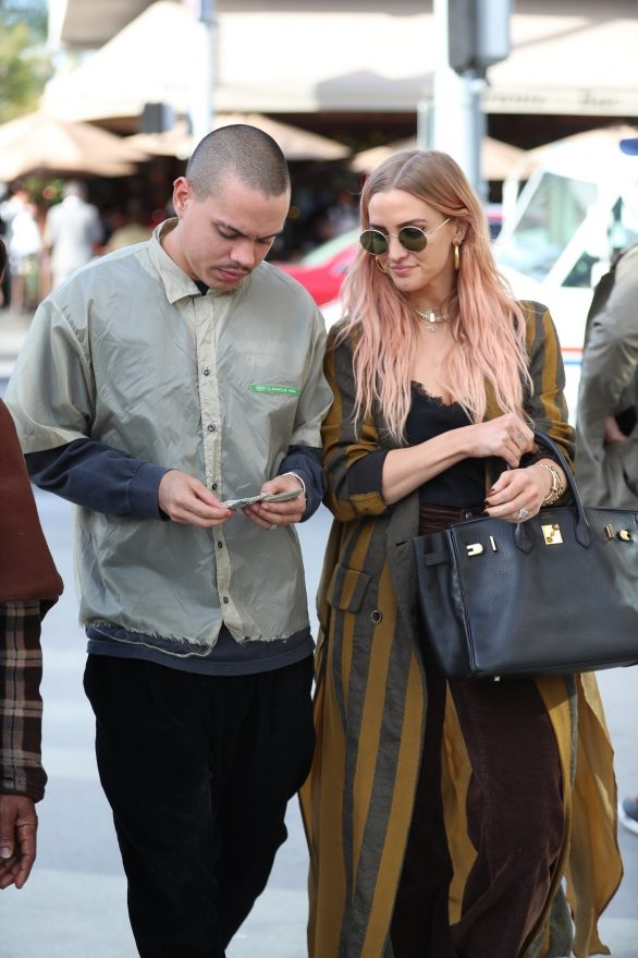 Ashlee Simpson and Evan Ross - Holiday Shopping in Beverly Hills