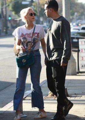Ashlee Simpson and Evan Ross on Ventura Blvd in LA