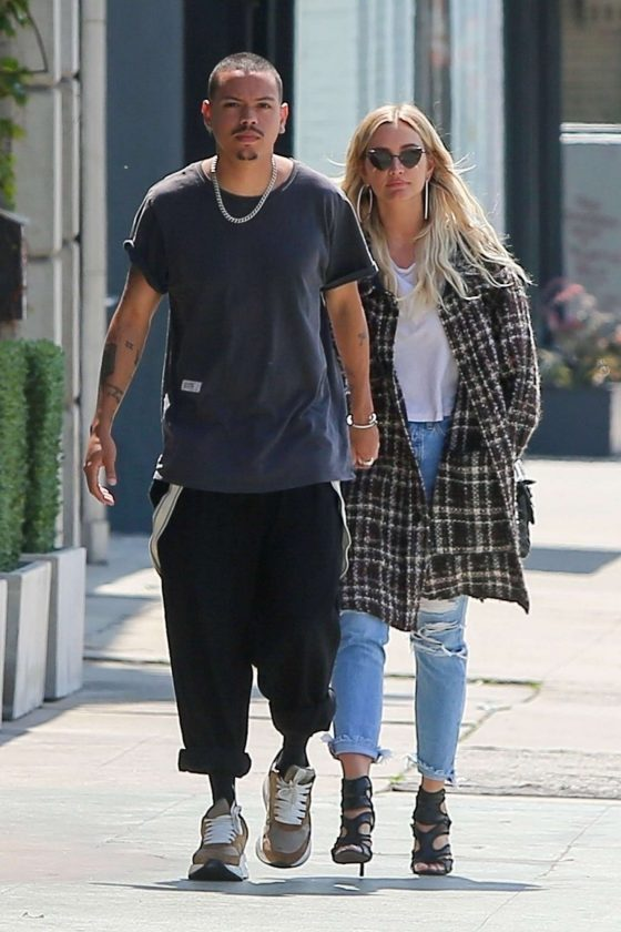 Ashlee Simpson and Evan Ross: Out in Los Angeles -01