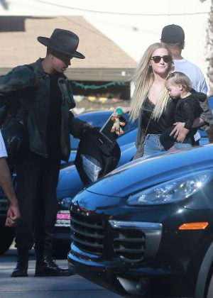 Ashlee Simpson and her family at sushi in Studio City