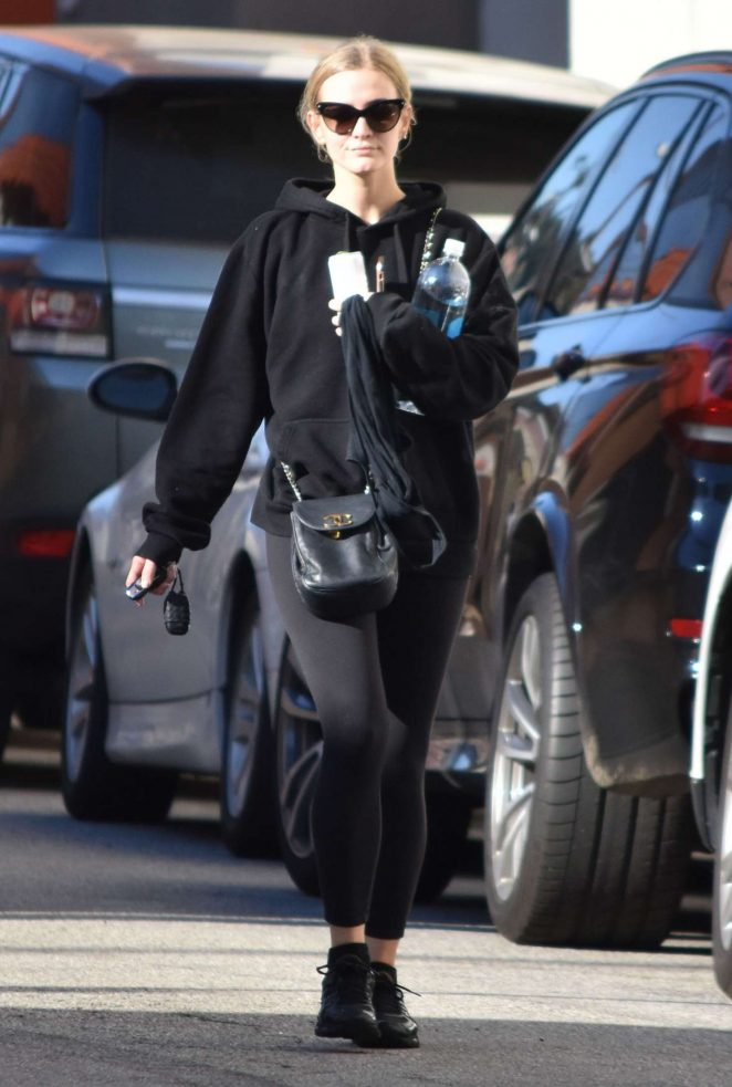 Ashlee Simpson at a gym in Studio City -09