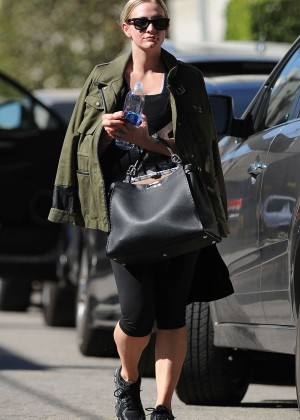 Ashlee Simpson at Tracy Anderson in Los Angeles