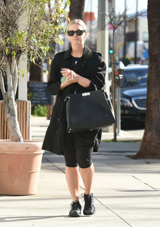 Ashlee Simpson goes to the gym in LA