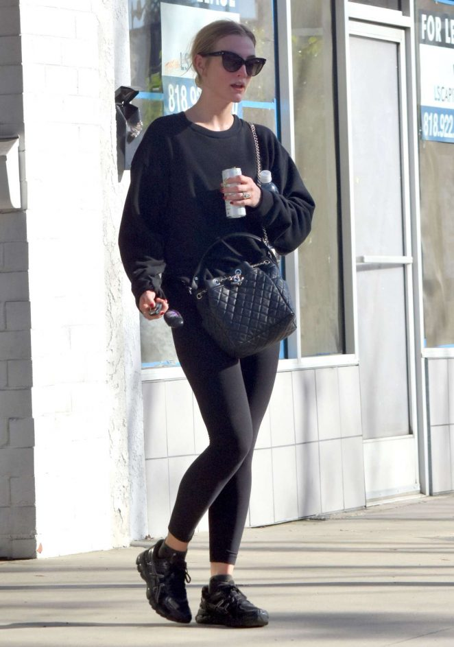 Ashlee Simpson: Heads to the Gym -10