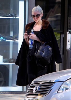 Ashlee Simpson - Leaves the gym in Los Angeles