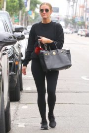 Ashlee Simpson - Leaves the gym in Studio City