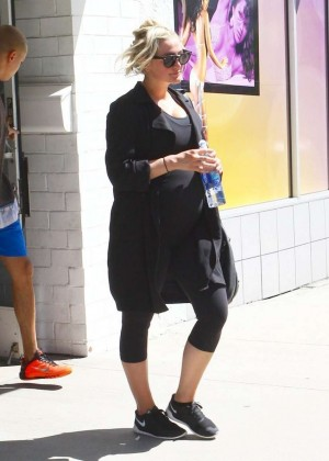 Ashlee Simpson in Leggings Leaving the gym in Studio City