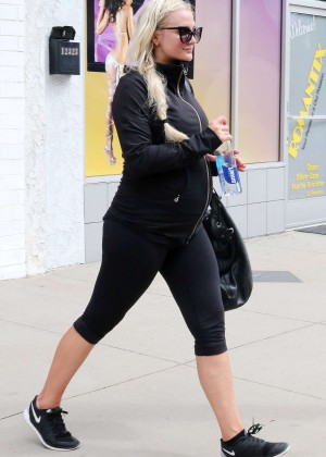 Ashlee Simpson in Tights Leaving the gym in Studio City