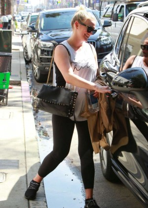 Ashlee Simpson - Leaving Tracey Anderson Gym in Studio City