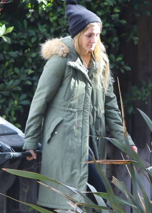 Ashlee Simpson on the rain in Sherman Oaks