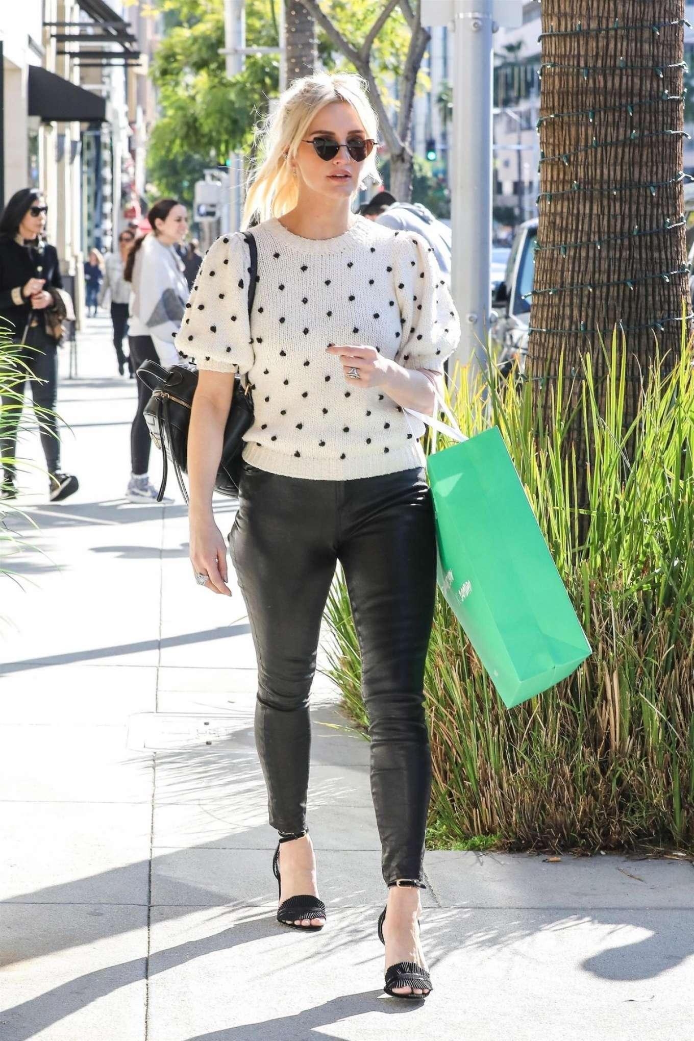 Ashlee Simpson 2018 : Ashlee Simpson: Shopping in Beverly Hills -01