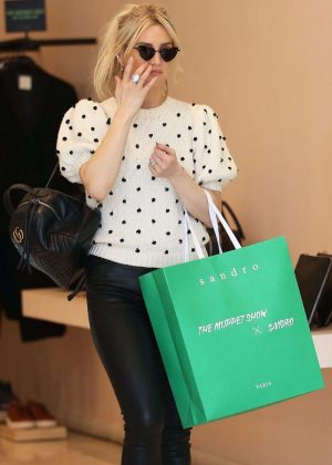 Ashlee Simpson - Shopping in Beverly Hills