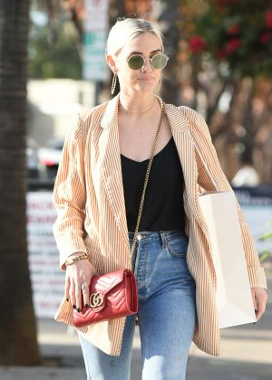 Ashlee Simpson - Shopping in LA