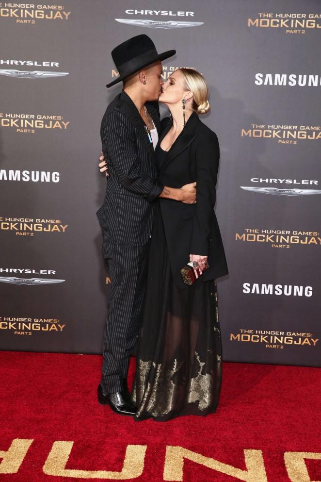 Ashlee Simpson: The Hunger Games Mockingjay Part 2 LA Premiere -03