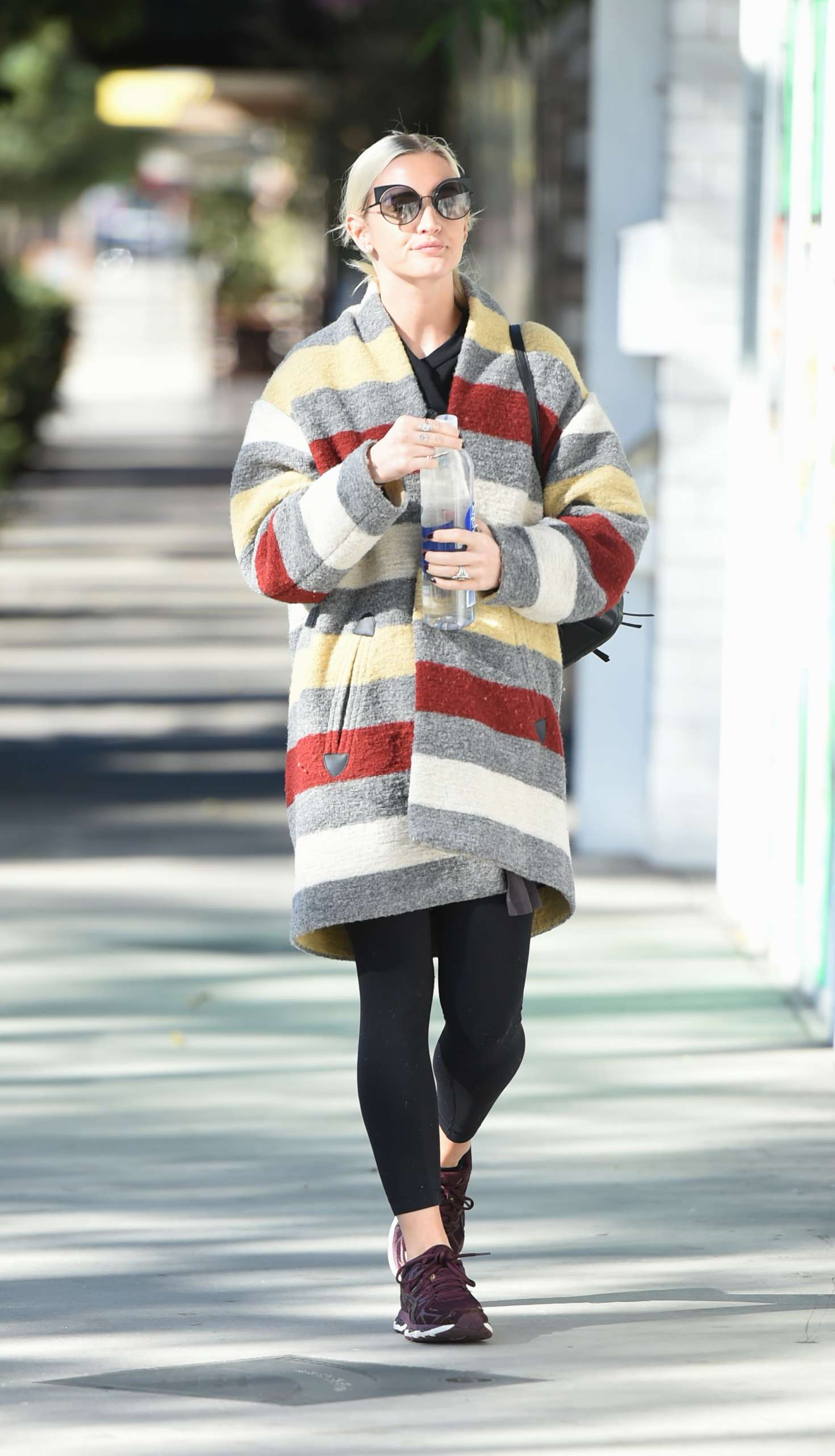 Ashlee Simpson 2017 : Ashlee Simpson wears a colorful coat to the gym -08