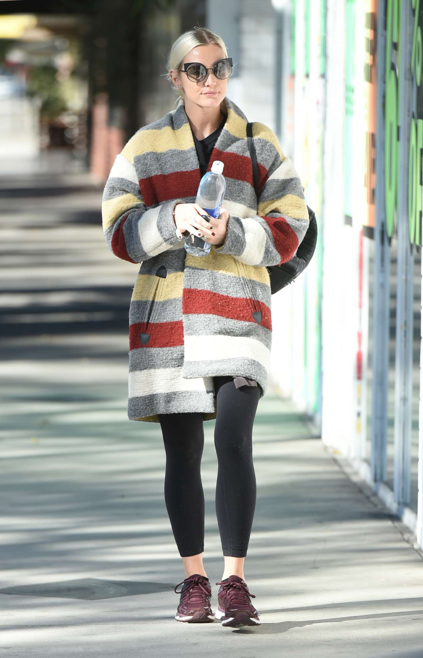 Ashlee Simpson 2017 : Ashlee Simpson wears a colorful coat to the gym -09