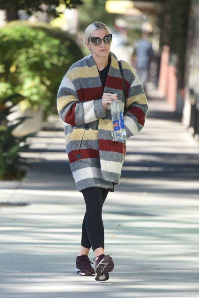 Ashlee Simpson 2017 : Ashlee Simpson wears a colorful coat to the gym -10