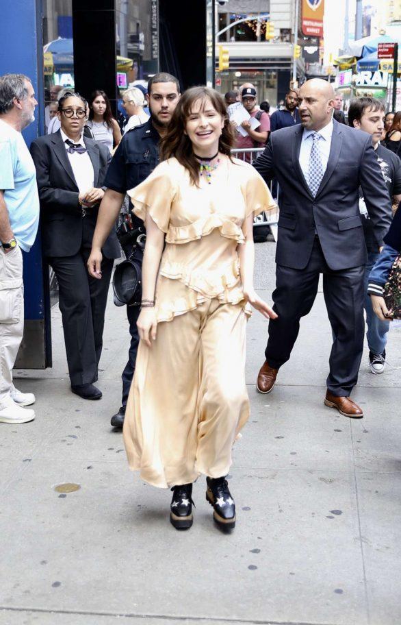 Ashleigh Cummings - Arrives at Good Morning America in New York