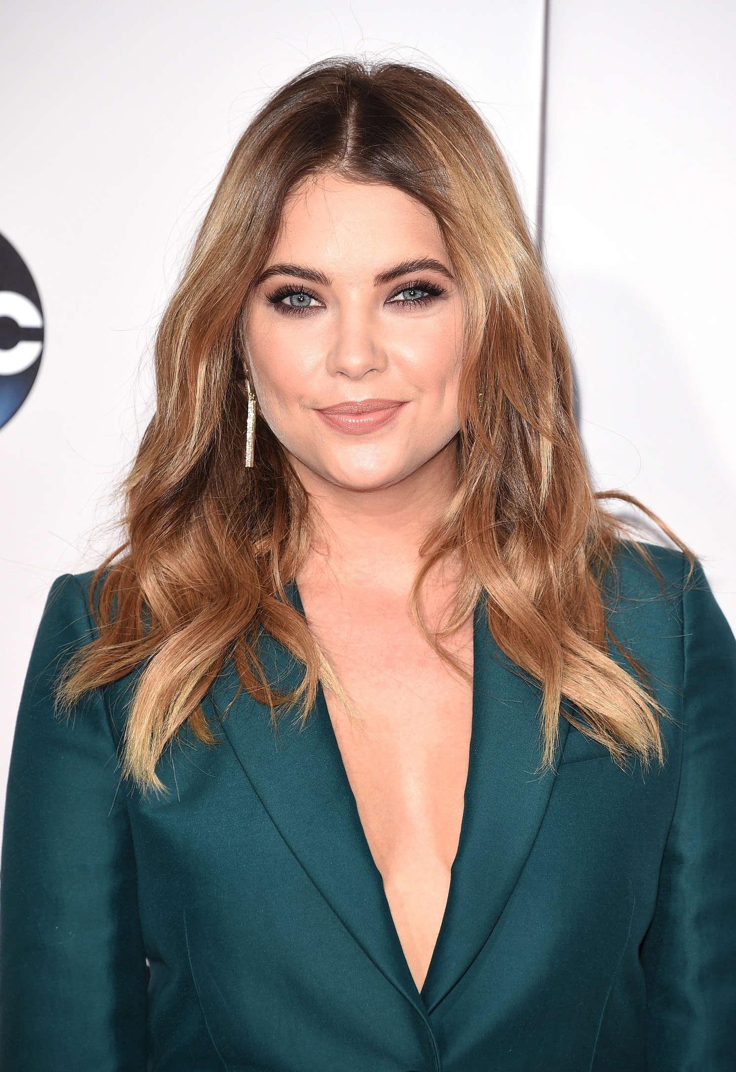 Ashley Benson Talks Chronically Metropolitan Dating: 2015 American Music Awards In Los Angeles