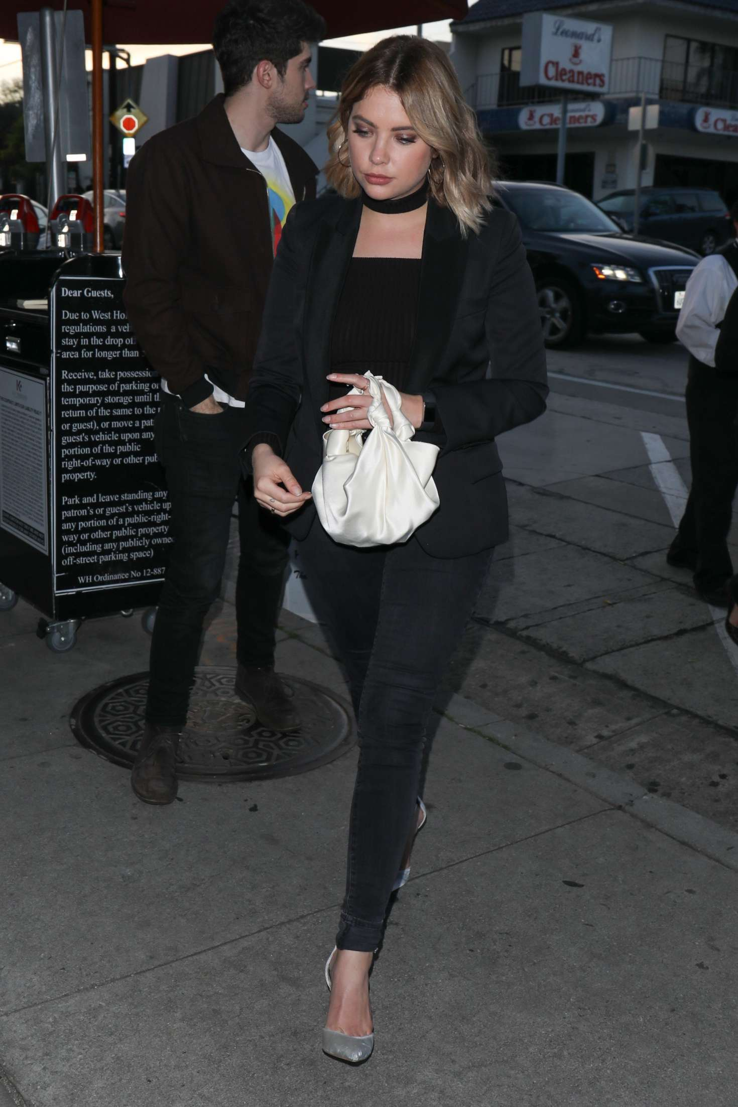 Ashley benson arriving to catch la for dinner in la nude (72 photo), Sexy Celebrites pictures