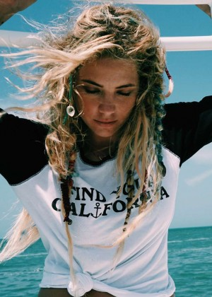 Ashley Benson - Find Your California Travel Mexico (September 2015)